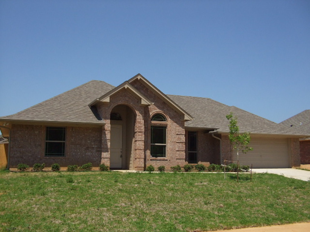 Home builder tyler texas exteriors gallery 19474front for Tyler tx home builders