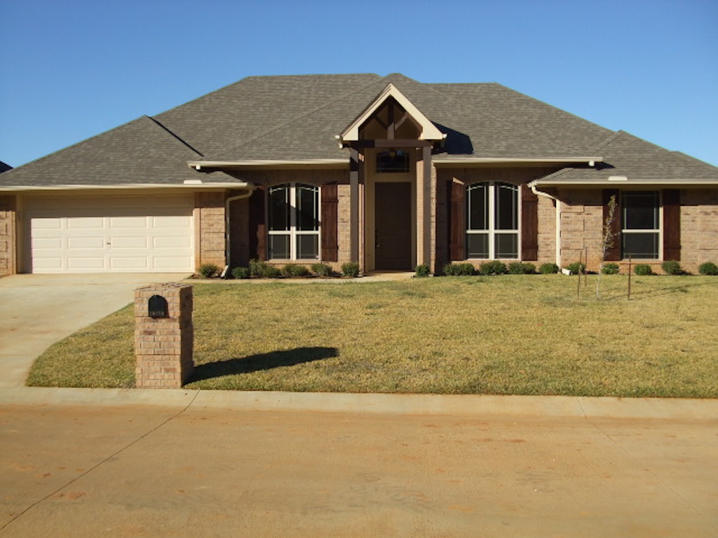 Home builder tyler texas exteriors gallery 19478 fe1 for Tyler tx home builders
